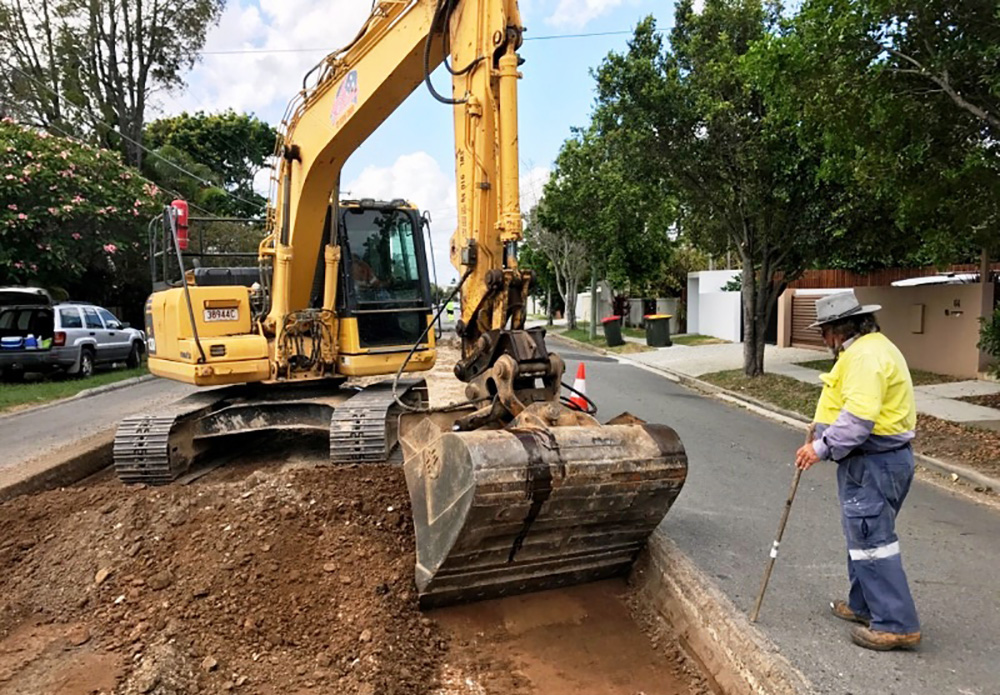 mini excavator combo hire - mini excavators brisbane