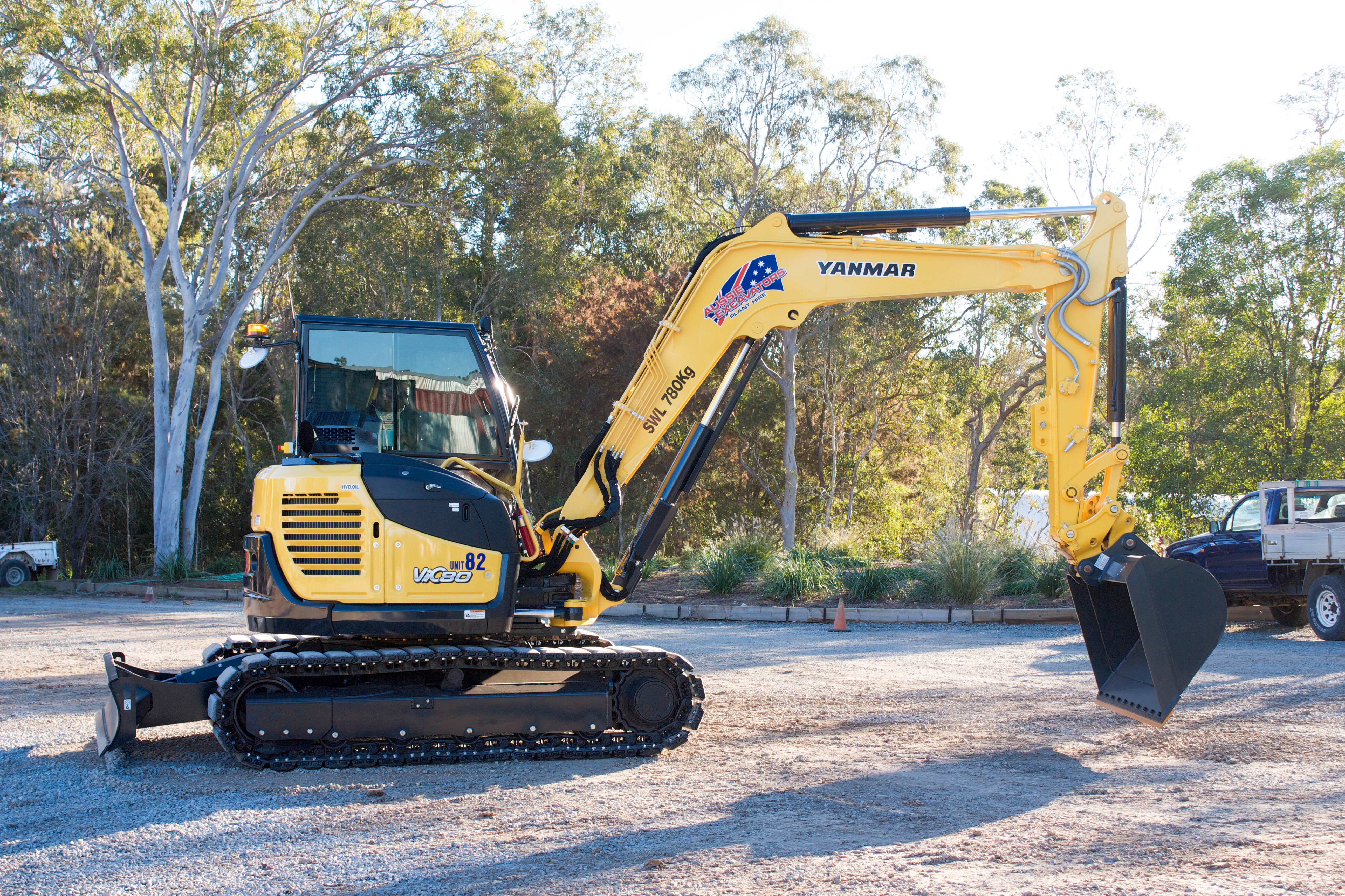 excavator hire - wet plant hire brisbane